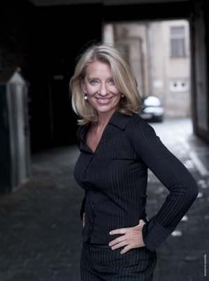 Karin Seven hilft Frauen dabei, das innere Leuchten erstrahlen zu lassen