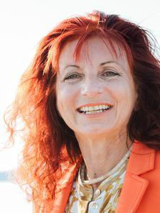 Linda Benkoe - Content Managerin